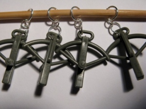 Crossbow stitch markers