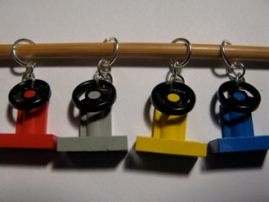 Steering wheel stitch markers